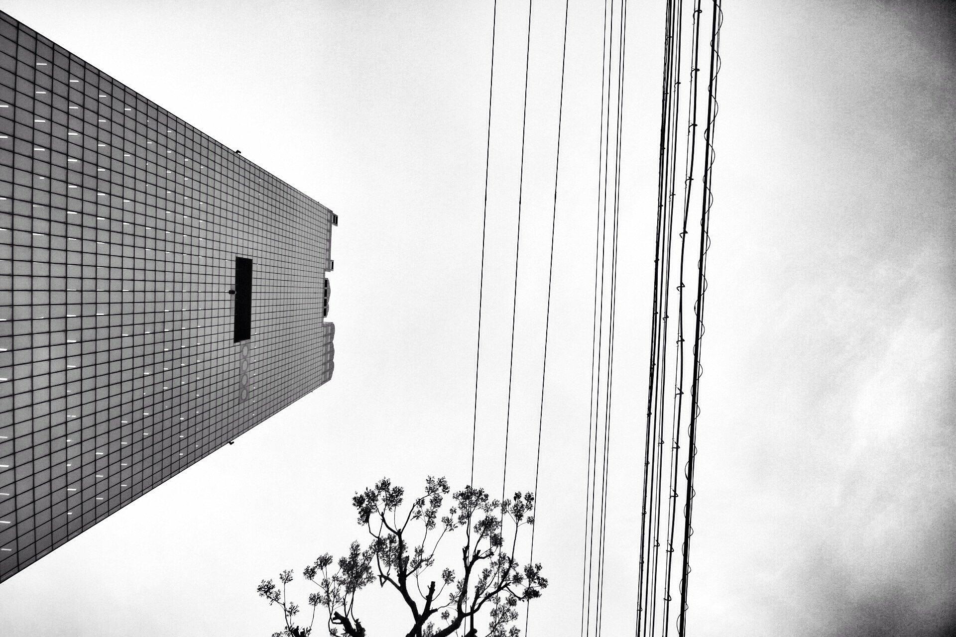 black-and-white-skyscrapper-osaka-foto-blog-kasuma