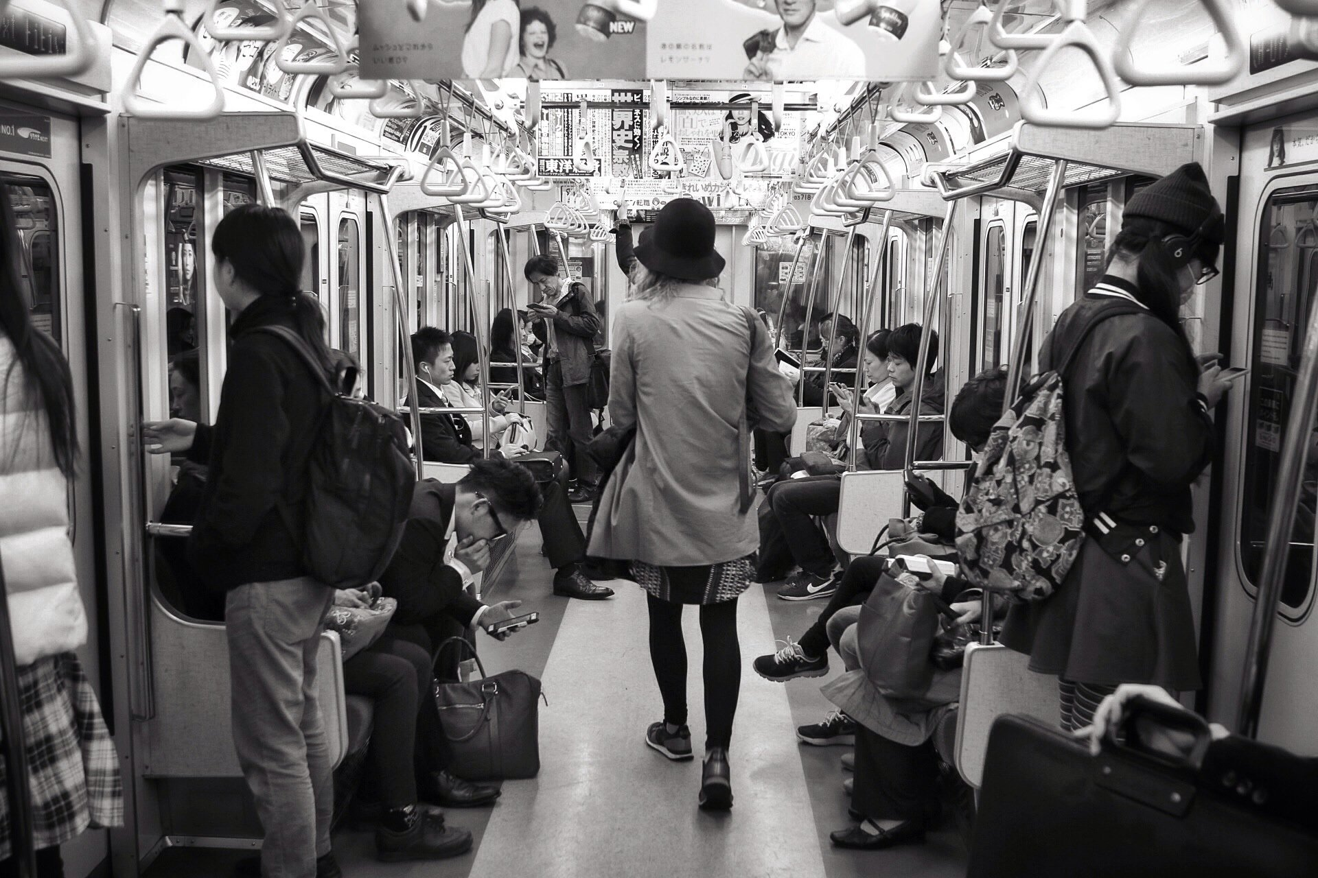 cecilia-tokyo-subway-kasuma-photo-blog