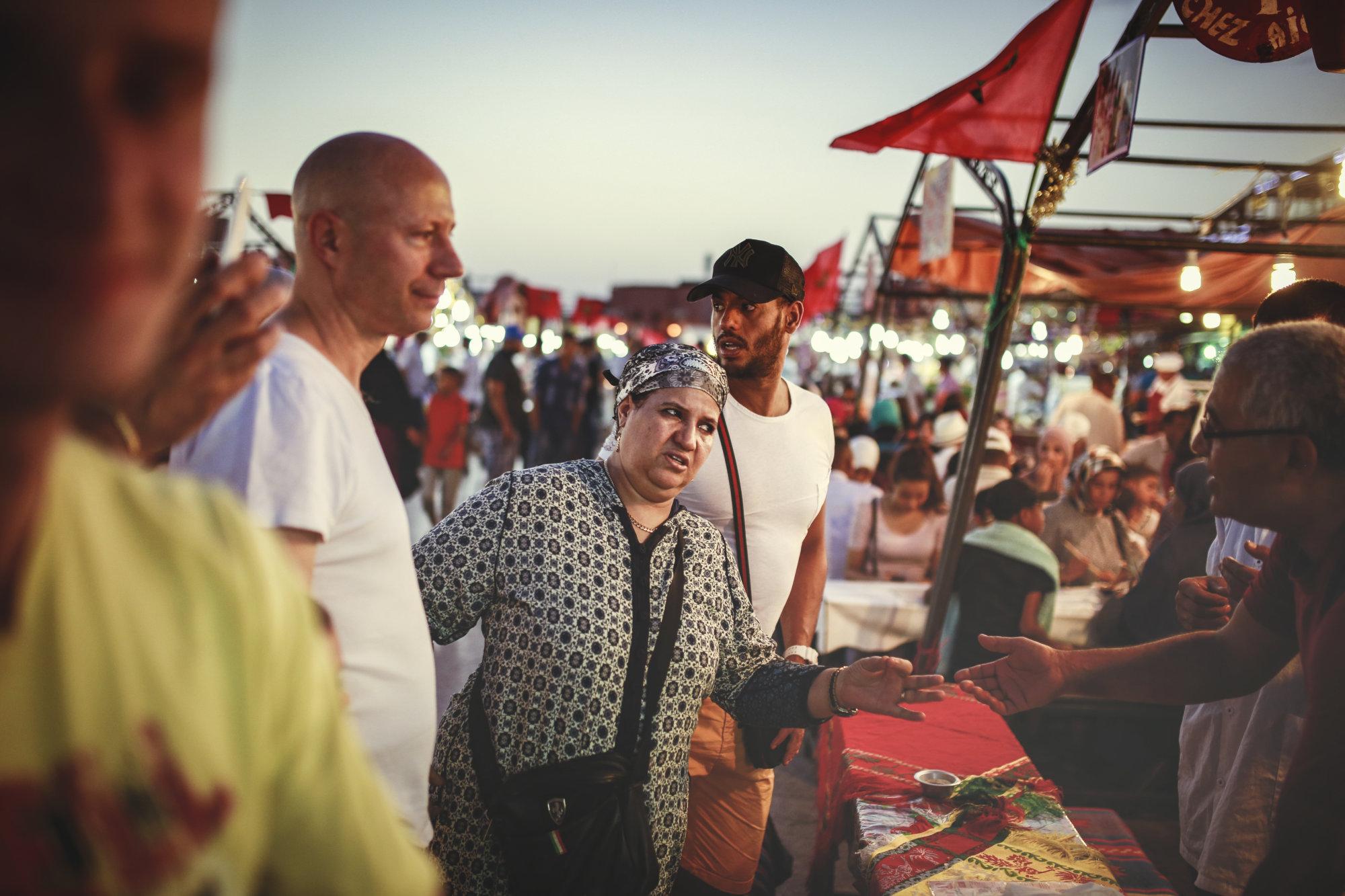 color-verhandlungen-marrakech-djemaaelfna-marokko-2016-mcu-ausflug