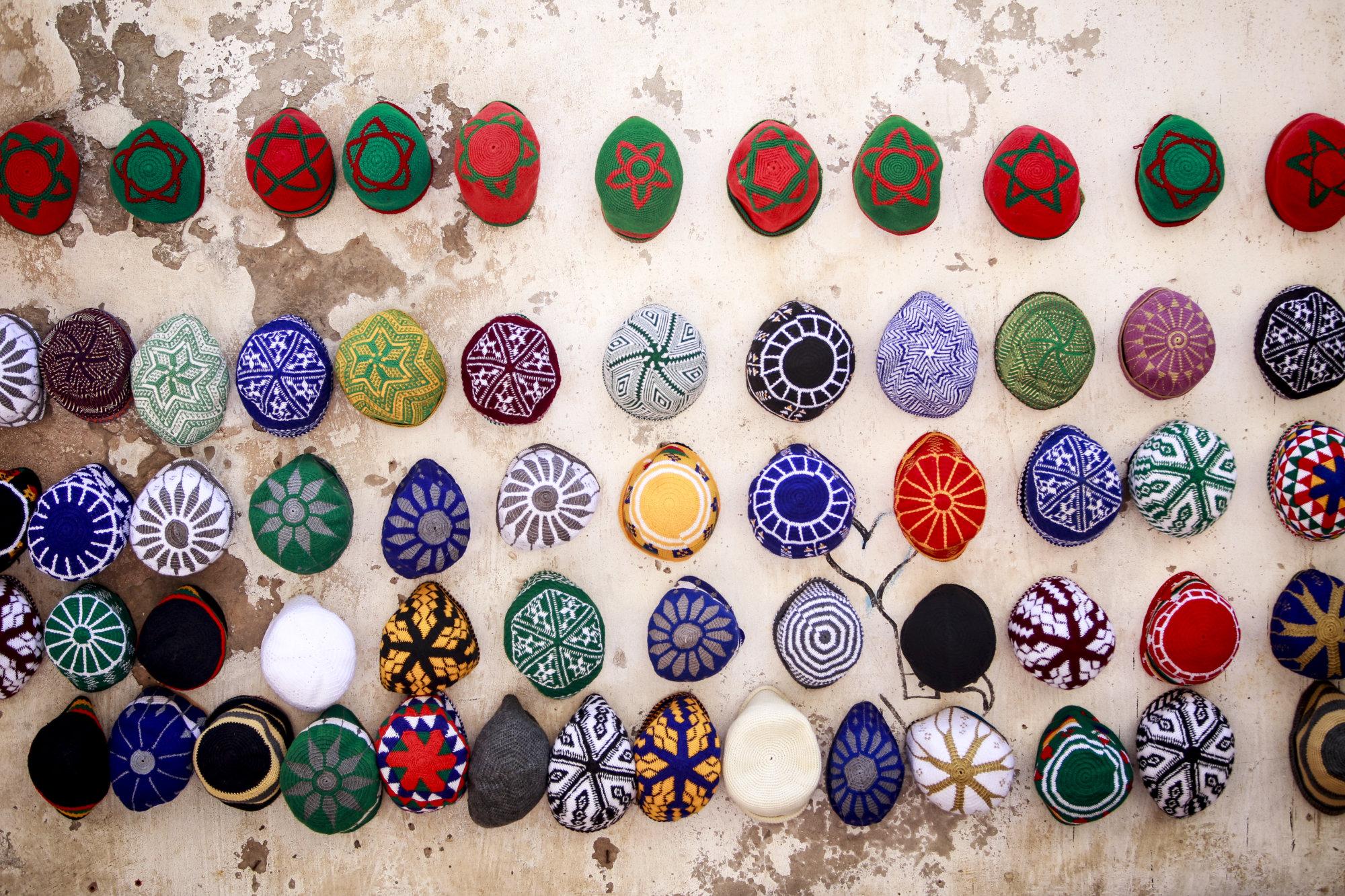 colorful-hats-essaouira-marokko-2016-mcu-ausflug
