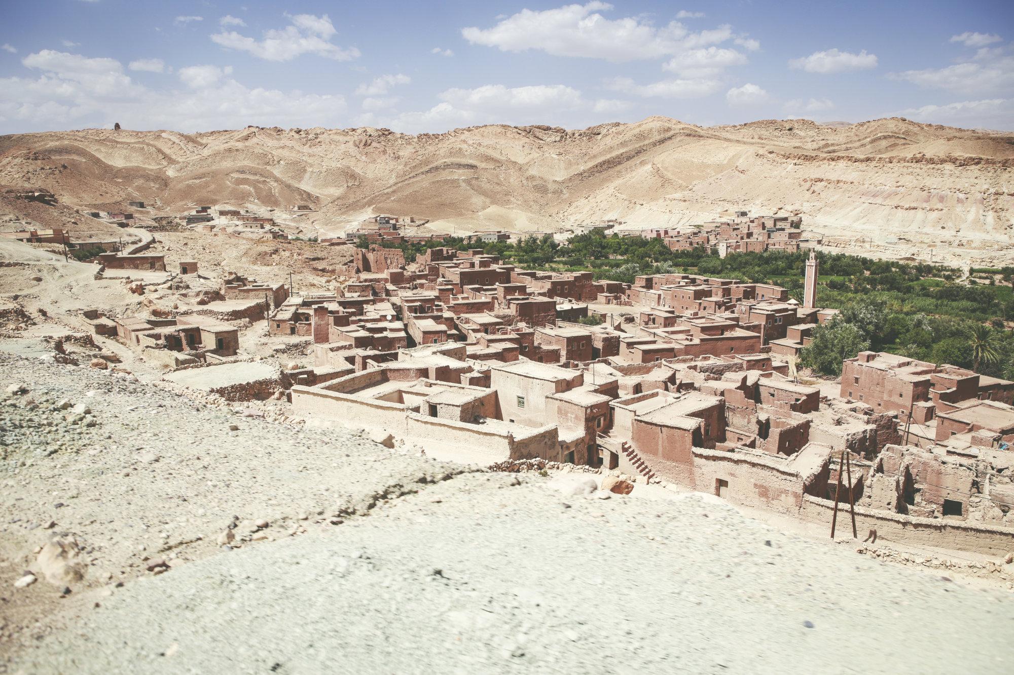 on-the-road-dorf-in-desert-2-marokko-2016-mcu-ausflug